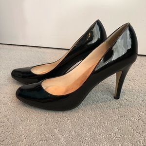 Steve Madden black patent pumps